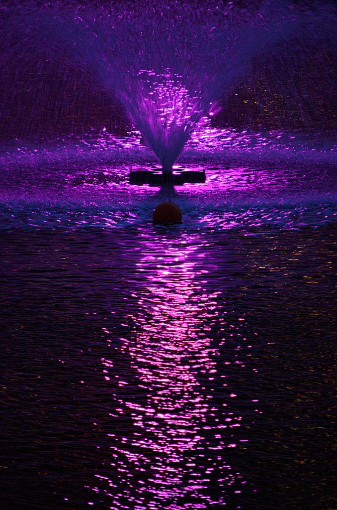 光と水のクロス