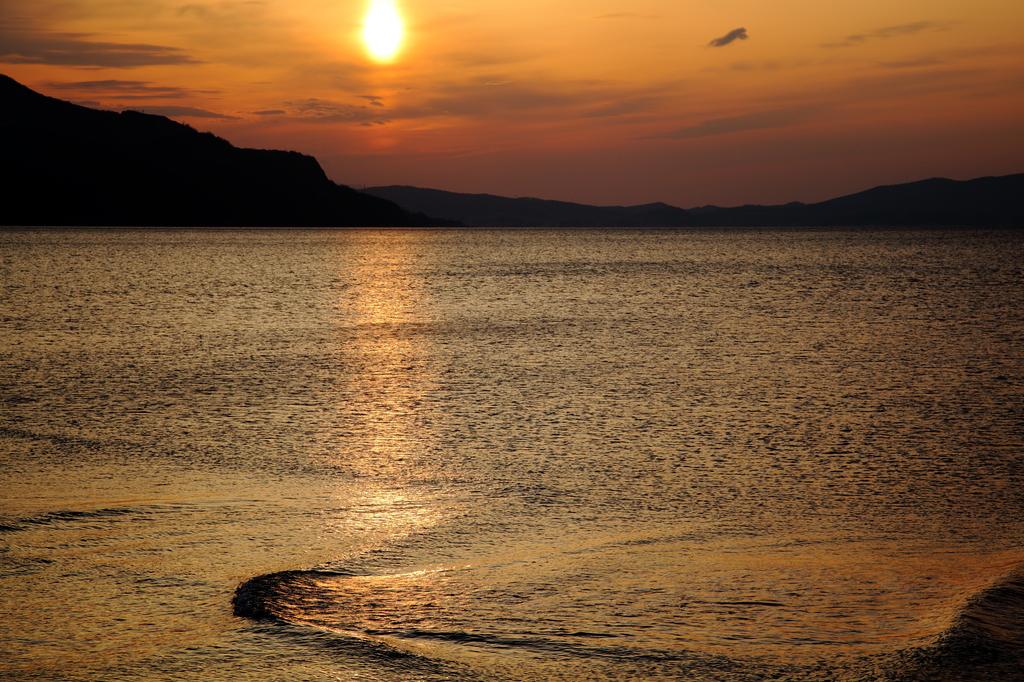 夕日さざ波
