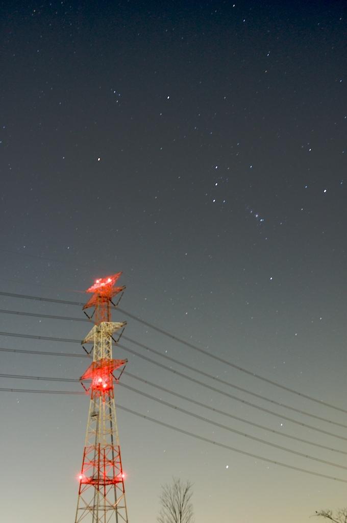 オリオンと鉄塔
