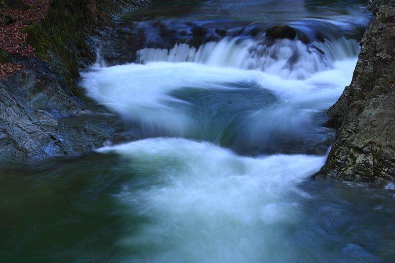 大滝の緑水