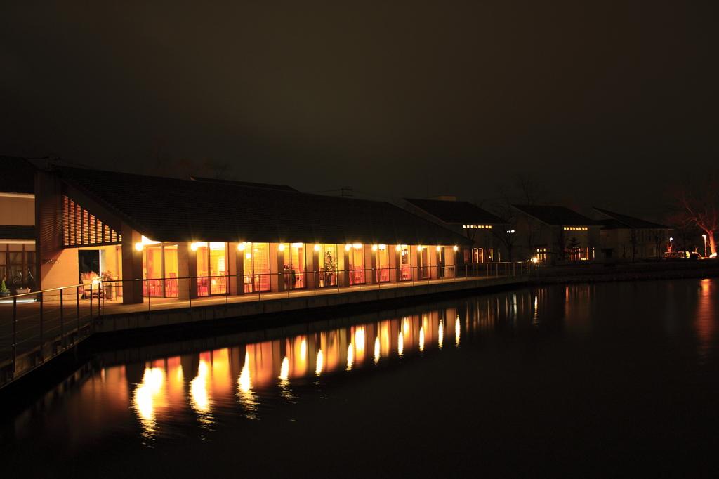 鶴岡公園レストハウス