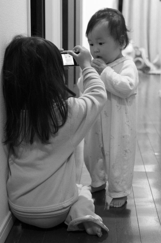 姉、妹を撮影中