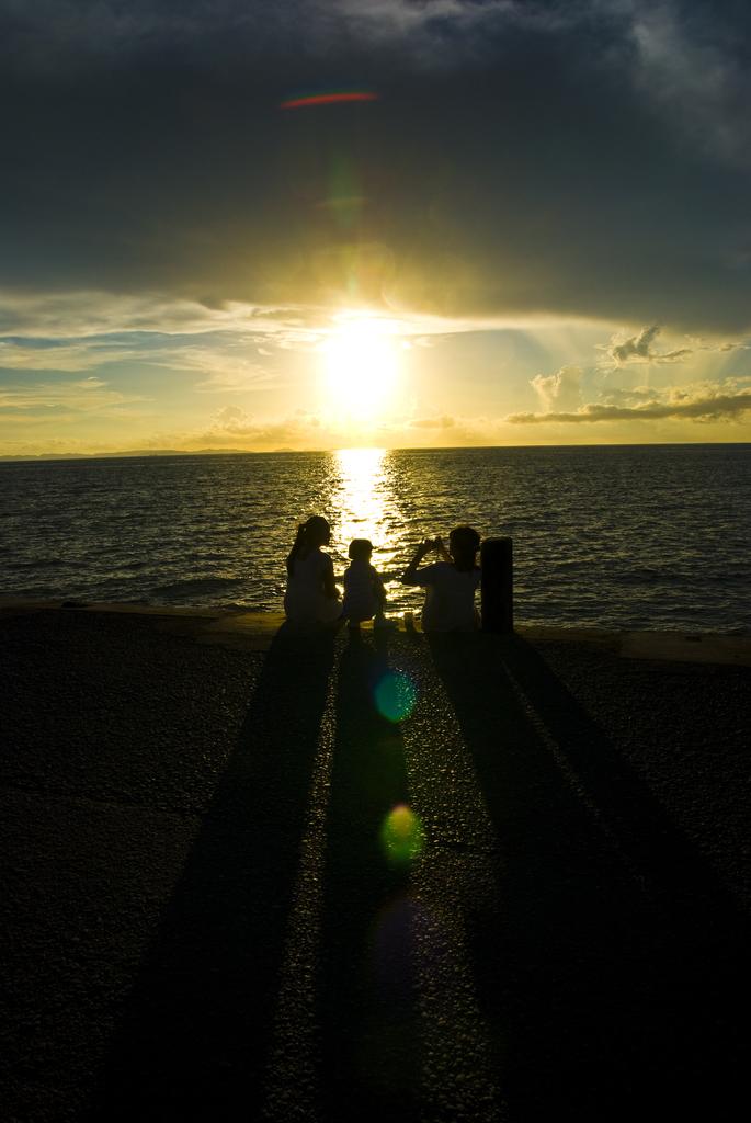 家族の夕日