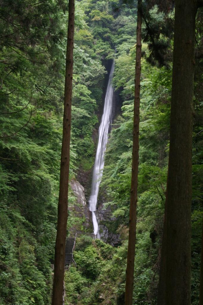 酒水の滝(しゃすいのたき)