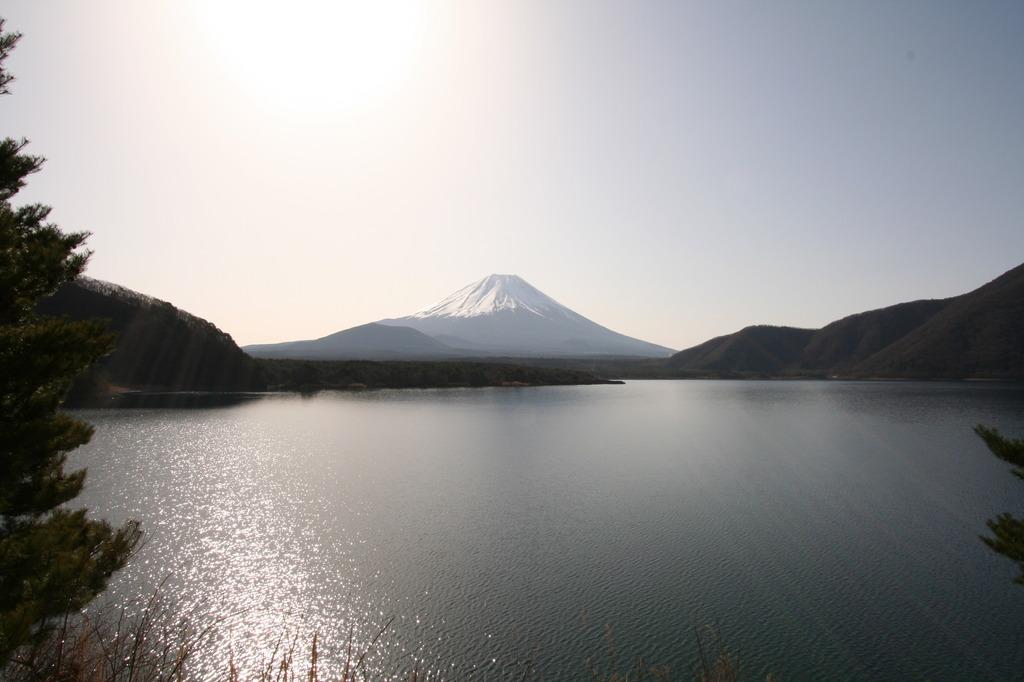 本栖湖と富士山2
