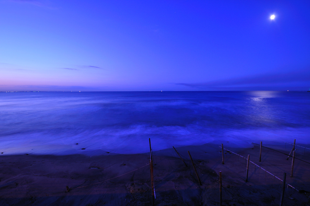 波のない朝