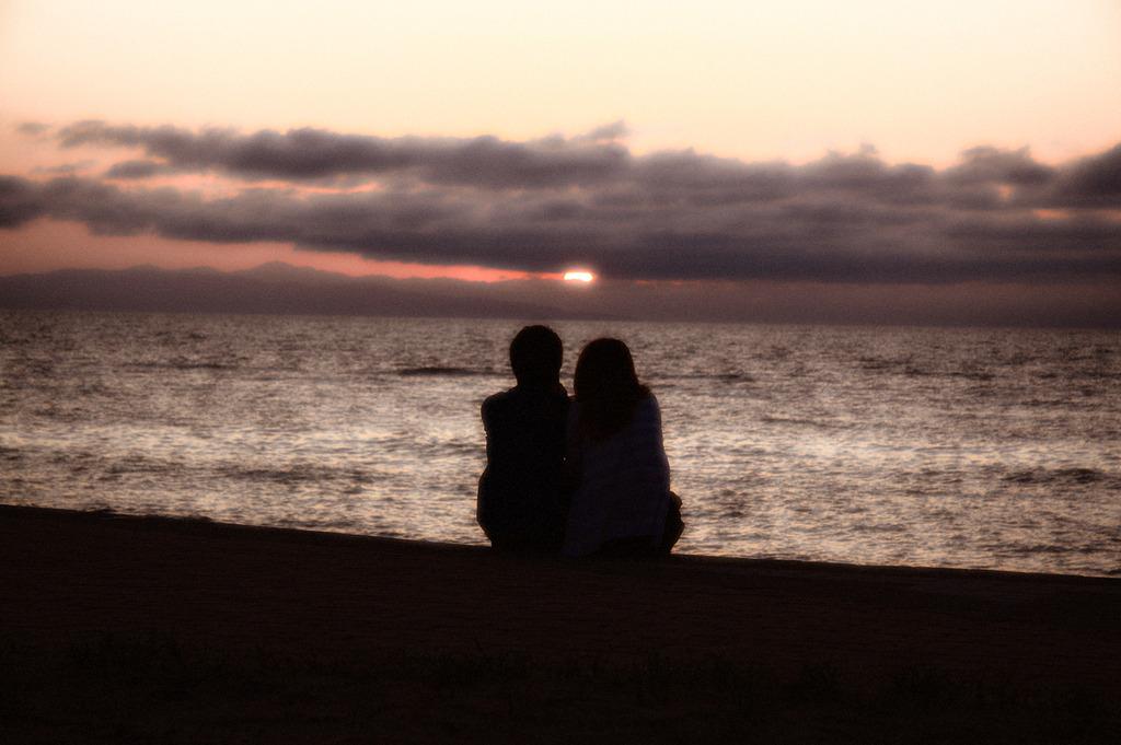 夕日と共に「恋に落ちてゆく二人~」♪
