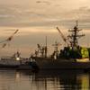軍港の朝2