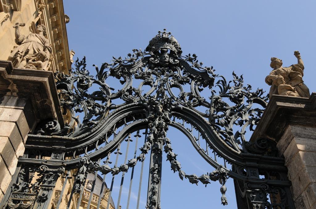 レジデンツの門