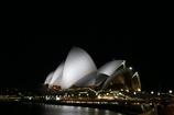 夜のオペラハウス