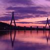堰と橋と夕暮れと