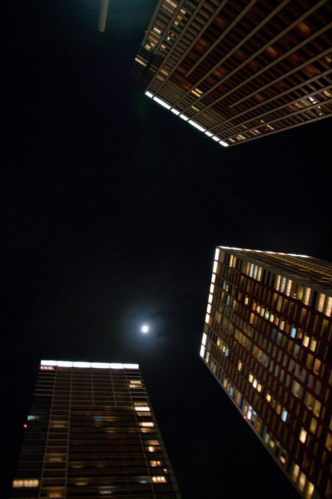捕らわれた月