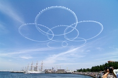 横浜開港祭ブルーインパルス-サクラ