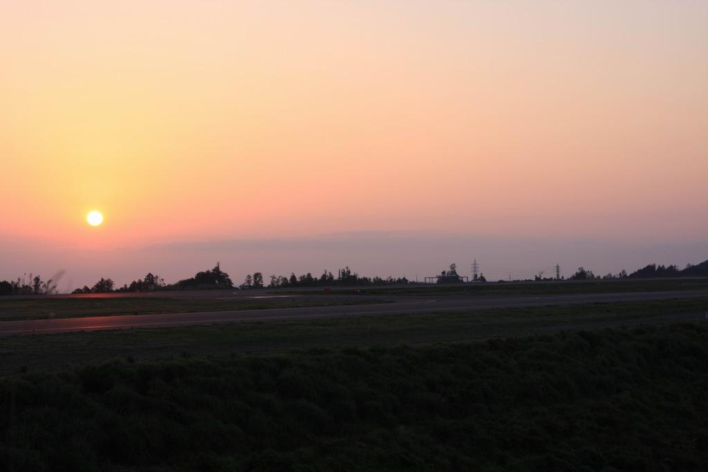 空港の日の出
