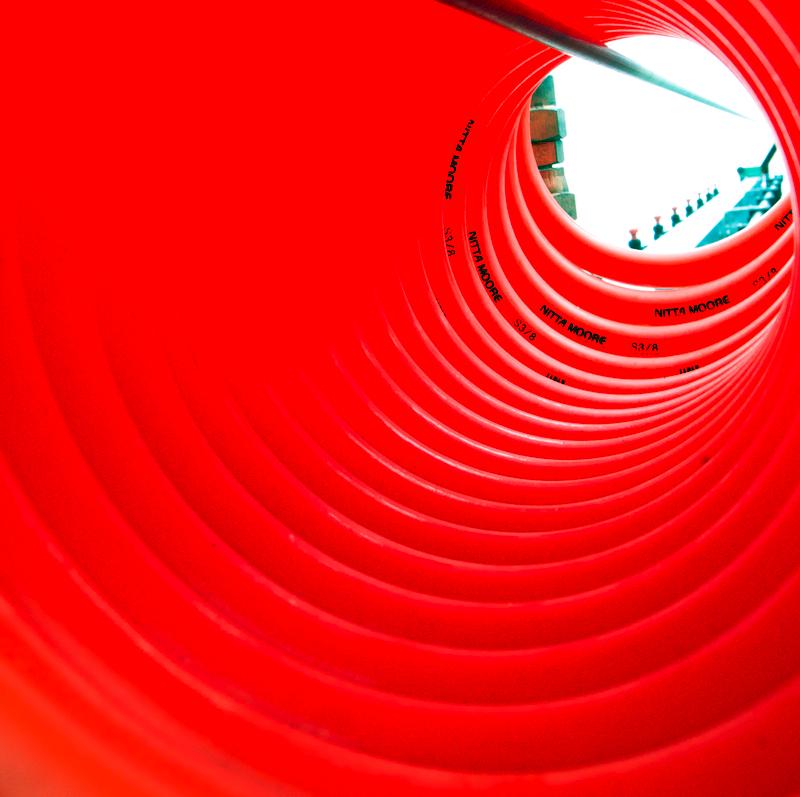 チューブトンネルの向こう側