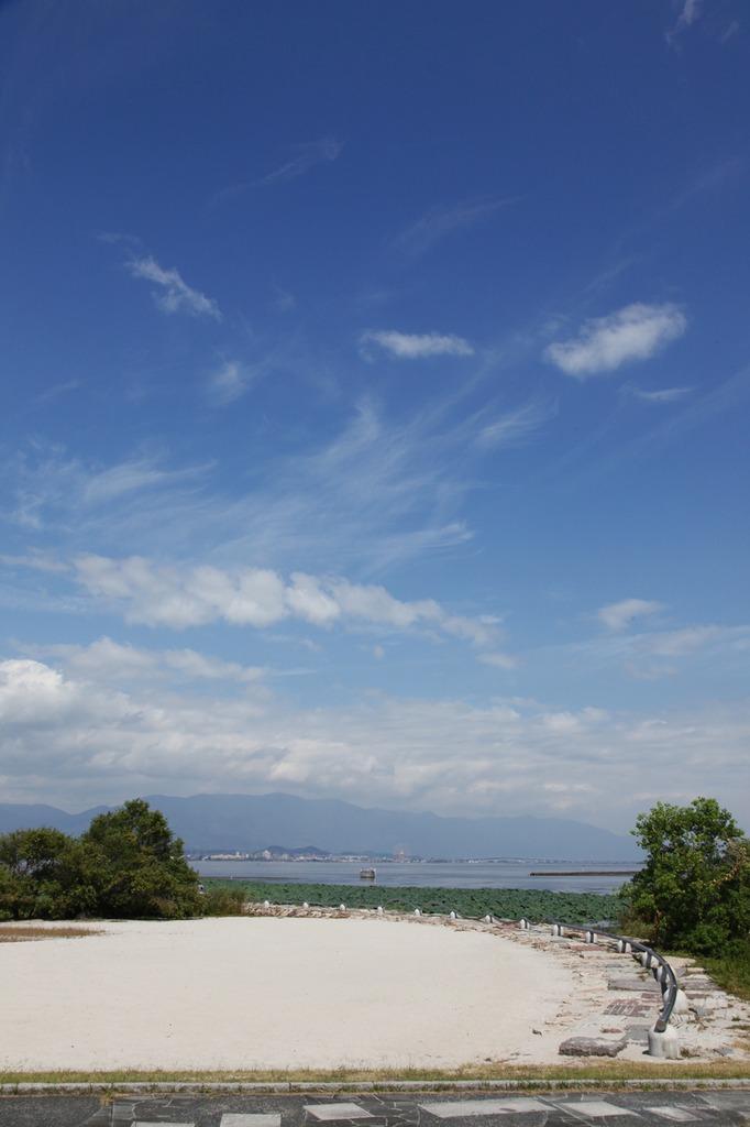 琵琶湖の空