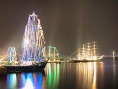 長崎帆船と女神大橋ライトアップ