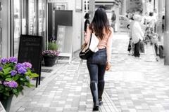 街の彩‥紫陽花のある街角