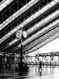 昼下がりの大阪駅