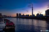 夜明け前の墨田川
