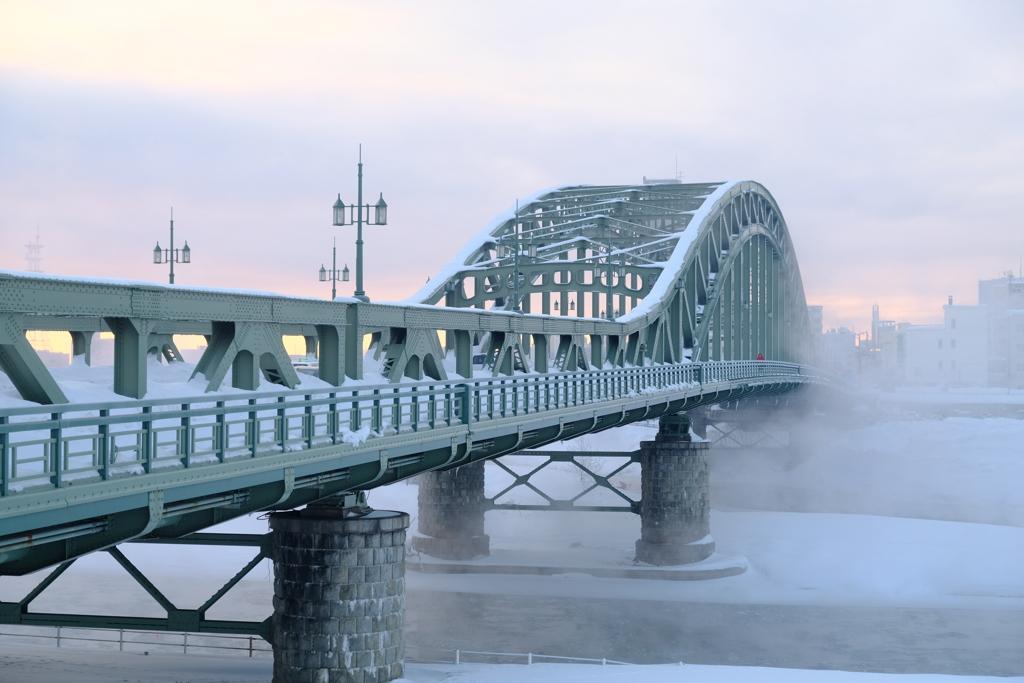 極寒の旭橋
