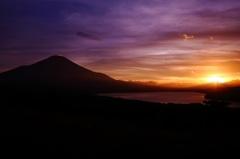 夕景と富士