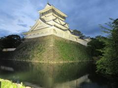 夜の小倉城