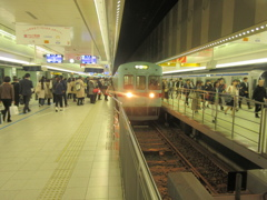 ラッシュ時の西鉄天神駅