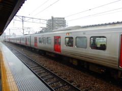 雨の日の駅ホーム ②