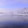 厳冬湖畔の集落