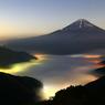 精進湖の灯り