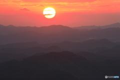 山波と朝陽
