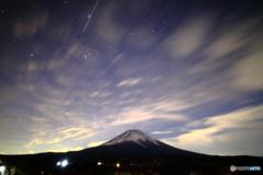 うろこ雲の夜