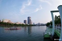 OSAKA 早朝の川の風景