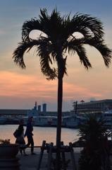 石垣港の夕焼け