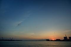 石垣港に沈む夕陽