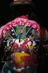 大阪女性の粋な背中