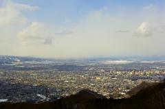 山形 冬 西蔵王から見る山形市内