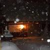 雪は降りつつ