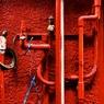 FUJIFILM X-E2で撮影した(赤い壁と赤い配管)の写真(画像)