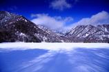 冬の湖 三題 湖上の影
