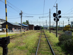 2018/04/21_電鉄黒部駅から線路を望む