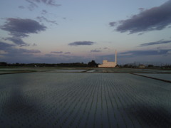 2017/06/03_夕暮れの水田と伊奈町クリーンセンター