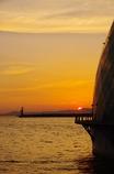 ドームと夕日