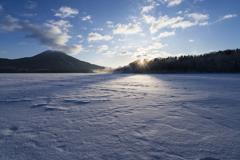 静かなる湖面