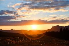 高原の夕陽