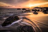 岩礁の夕暮れ
