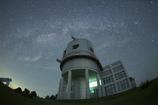 天文台にふりそそぐ星空③