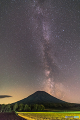 夜の羊蹄山2