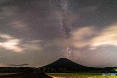 夜の羊蹄山1